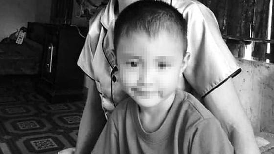 Phát hiện bé trai 5 tuổi tử vong trong ngôi nhà hoang sau 3 ngày mất tích  ảnh 1