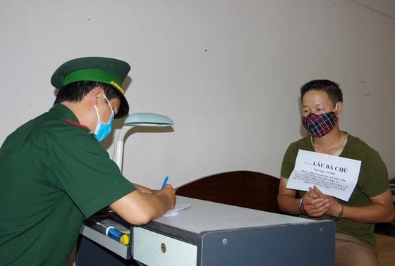 Bộ đội Biên phòng Nghệ An bắt đối tượng đưa người nhập cảnh trái phép ảnh 1