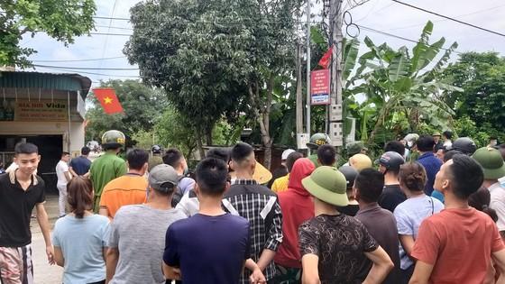 Nghệ An: Khống chế được nghi phạm nổ súng bắn chết 2 người ảnh 1
