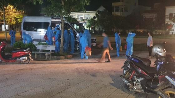 Nghệ An, Thanh Hóa: Cách ly 1.900 hộ dân, gần 2.000 học sinh, giáo viên  ảnh 5