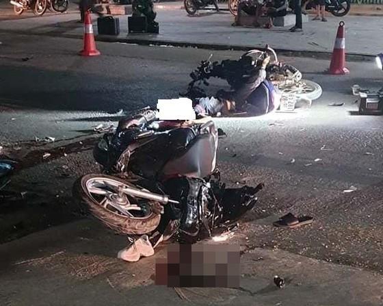 Va chạm xe máy, 2 người chết, 2 người bị thương ảnh 1