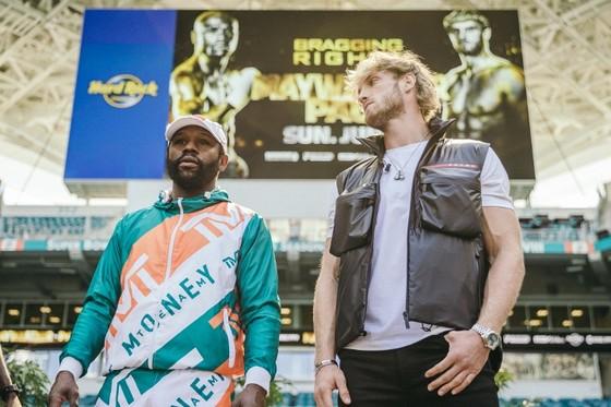 """Floyd """"Money"""" Mayweather vs Youtuber Logan Paul: Vụ cướp ngân hàng hợp pháp của cựu huyền thoại quyền Anh ảnh 1"""