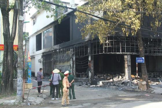 Cháy phòng trà ở Nghệ An, 6 người thiệt mạng ảnh 2