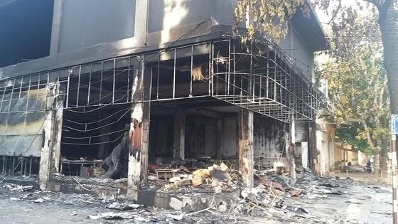 Cháy phòng trà ở Nghệ An, 6 người thiệt mạng ảnh 3
