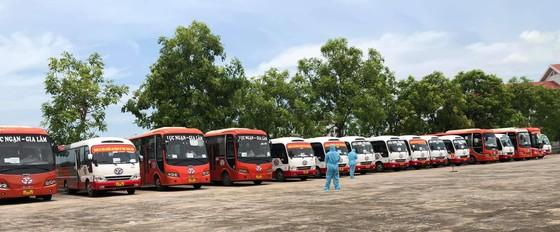 Thanh Hóa đón hơn 2.000 công dân từ tỉnh Bắc Giang về quê ảnh 1