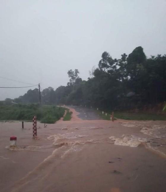 Nghệ An: Mưa lớn gây chia cắt, ngập lụt cục bộ ảnh 2