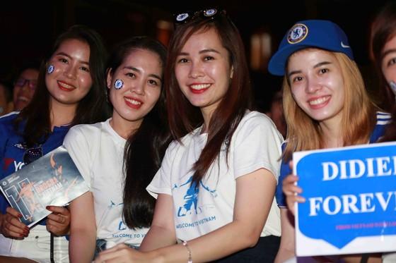 Chelsea đại thắng ngày Drogba về Việt Nam ảnh 2
