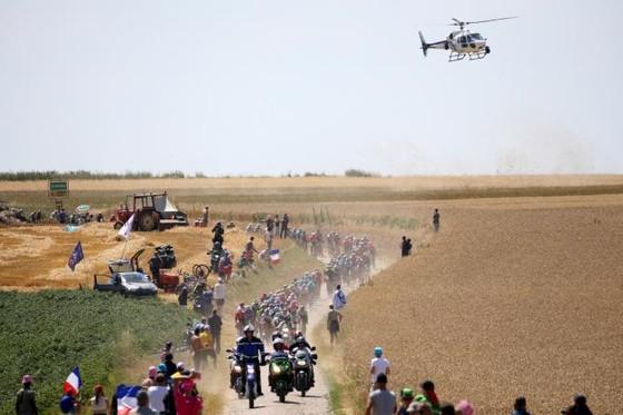 Xe đạp: Con trai ông bầu Quick-Step bị truy tố vì… lái máy bay trực thăng ảnh 1