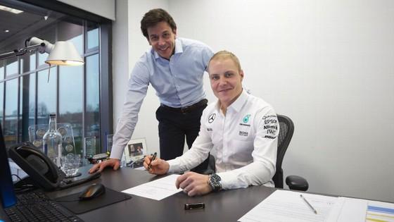 Đua xe F1: Theo ông chủ Mercedes, Bottas cũng quan trọng như Hamilton ảnh 2