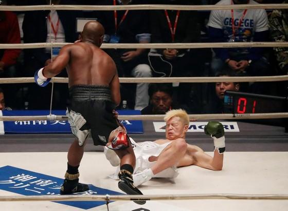 Quyền Anh - Đấm gục Nasukawa, Mayweather kiếm 9 triệu USD trong chưa đầy 3 phút ảnh 2