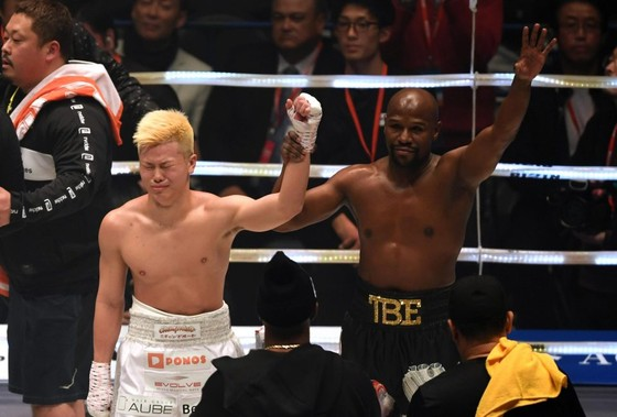 Quyền Anh - Đấm gục Nasukawa, Mayweather kiếm 9 triệu USD trong chưa đầy 3 phút ảnh 3