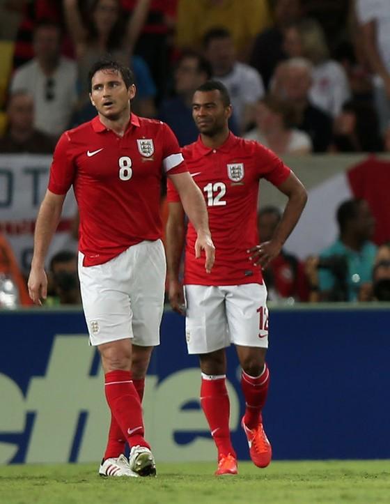 Ashley Cole có thể tái ngộ Lampard ở Derby County ảnh 5