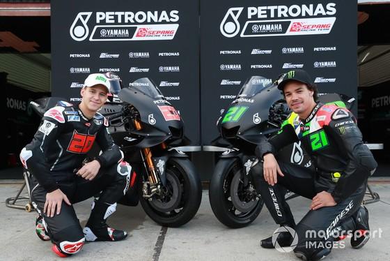 Đua xe mô tô: Petronas Yamaha SRT ra mắt dàn áo xe đua cực chất ảnh 2