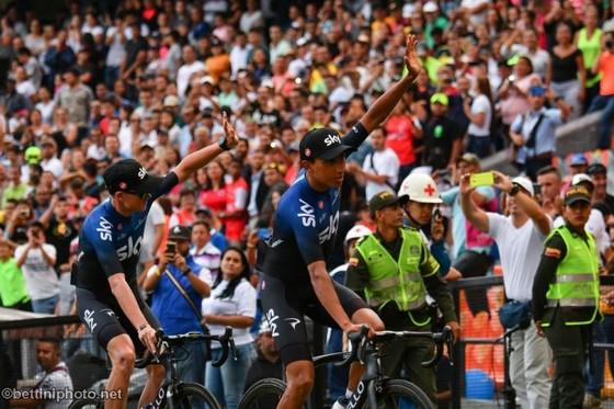 Xe đạp: Chris Froome choáng ngợp với sự tiếp đón ở Tour Colombia ảnh 3