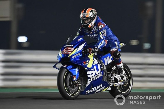 Đua xe mô tô: Rossi lo lắng khi chiếc YZR-M1 của Yamaha chỉ đạt tốc độ 334 km/giờ ảnh 1