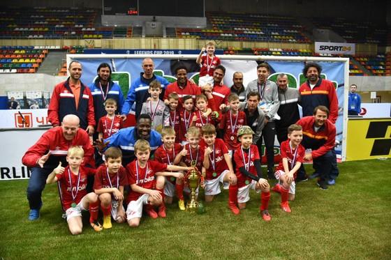 Legends Cup: Nghiền bẹp tuyển Đức 13-4, tuyển Nga vô địch lần thứ 11 liên tiếp ảnh 2