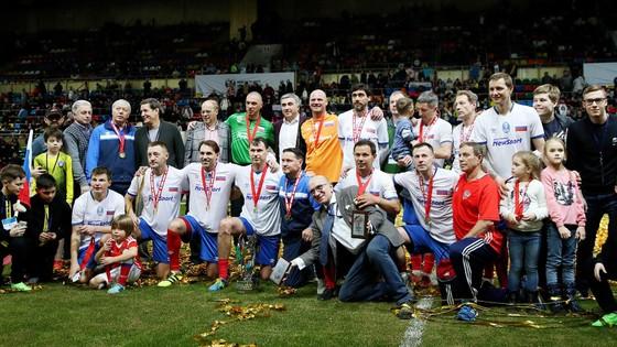 Legends Cup: Nghiền bẹp tuyển Đức 13-4, tuyển Nga vô địch lần thứ 11 liên tiếp ảnh 1