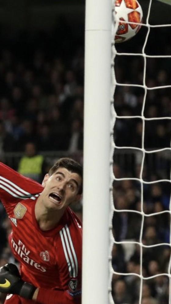 """Thibaut Courtois: Đến Real giành các danh hiệu, lọt lưới 37 bàn/32 trận, """"trắng tay"""" mùa này ảnh 1"""