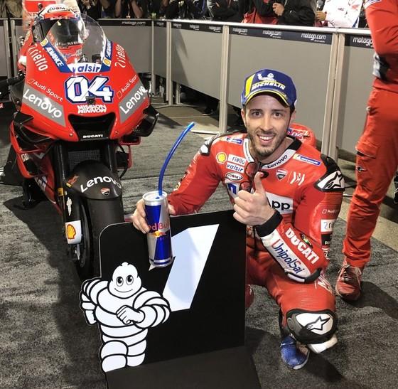 Đua xe mô tô: So kè từng mét đường, khúc cua, Dovizioso hạ Marquez, lên ngôi Vua ở Qatar ảnh 3