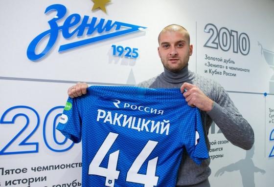 Chuyển sang chơi với Zenit, Rakitsky đã phải trả giá đắt