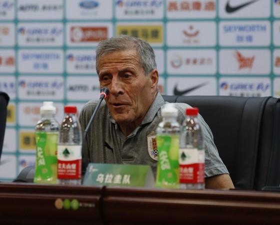 """China Cup 2019: """"Uruguay 2"""" hủy diệt Thái Lan, HLV Tabarez nói lời cay đắng về tuyển Thái ảnh 3"""
