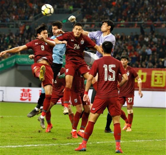 """China Cup 2019: """"Uruguay 2"""" hủy diệt Thái Lan, HLV Tabarez nói lời cay đắng về tuyển Thái ảnh 7"""