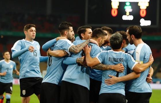 """China Cup 2019: """"Uruguay 2"""" hủy diệt Thái Lan, HLV Tabarez nói lời cay đắng về tuyển Thái ảnh 1"""