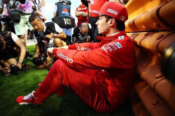 Đua xe F1: Màn lật đổ ngoạn mục của Mercedes ở Bahrain ảnh 8