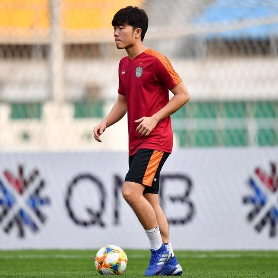 Beijing Guoan – Buriram United 2-0: Supachai tịt ngòi, Xuân Trường chạm bóng 15 lần trong 20 phút ảnh 1
