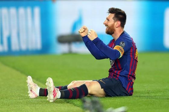 """Thế giới trong cơn cuồng Lionel Messi - Balotelli: """"Xin đừng so sánh Messi với số 7 của… Juventus"""" ảnh 5"""