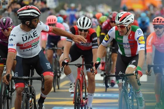 Giro d'Italia: Ackermann và Gaviria thay nhau thắng chặng 2 và 3, Viviani bị hủy kết quả ảnh 5