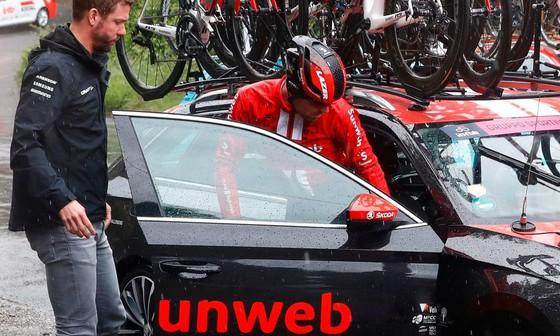 Giro d'Italia: Trên đường mưa, Ackermann giành chiến thắng thứ 2, củng cố vị thế Áo tím ảnh 2