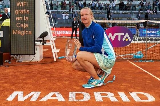 WTA Tour: Nữ hoàng cô đơn, 3 nữ cường nhân và 17 sứ quân ảnh 1
