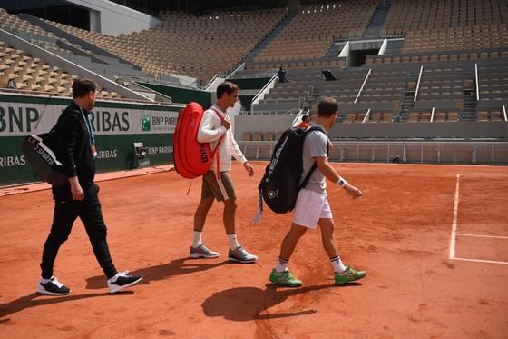 Roger Federer: Xúc động quay trở lại Roland Garros lần đầu tiên sau 4 năm ảnh 1