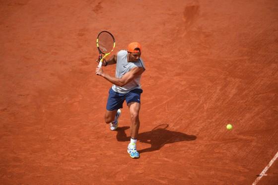 Roland Garros: Đường Nadal rộng thênh thang tám thước… ảnh 2