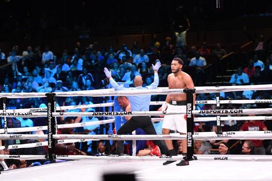 """Quyền Anh: Đấm gục cựu võ sĩ MMA ở hiệp 2, Hunter """"tiền thưởng"""" đòi phần thưởng là AJ """"cơ bắp"""" ảnh 2"""