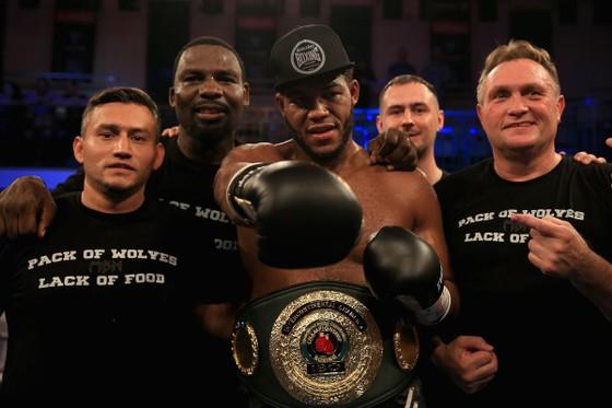 """Quyền Anh: Đấm gục cựu võ sĩ MMA ở hiệp 2, Hunter """"tiền thưởng"""" đòi phần thưởng là AJ """"cơ bắp"""" ảnh 3"""