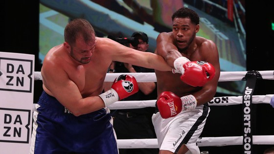 """Quyền Anh: Đấm gục cựu võ sĩ MMA ở hiệp 2, Hunter """"tiền thưởng"""" đòi phần thưởng là AJ """"cơ bắp"""" ảnh 1"""