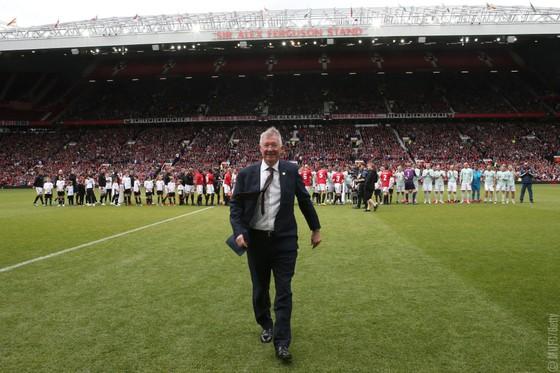 Đè bẹp Huyền thoại Bayern 5-0: Huyền thoại Manchester United được yêu cầu về đá… Premier League ảnh 2