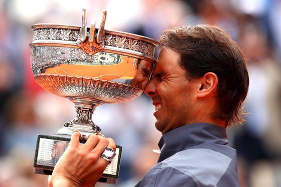 """Roland Garros: Nadal vẫn là """"Vua sân đất nện"""", thắng danh hiệu thứ 12 ảnh 3"""
