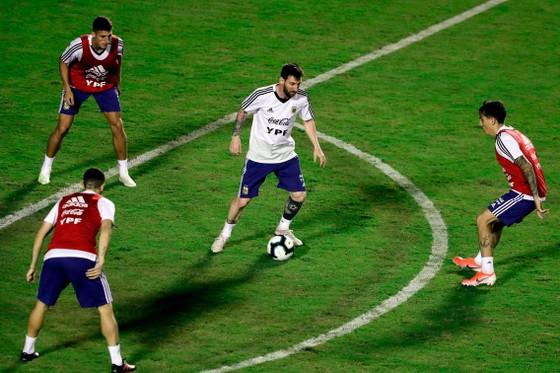 "Argentina - Colombia: Ông Scaloni sẽ chơi với ""mũi đinh ba"" Messi - Aguero - Di Maria ảnh 9"