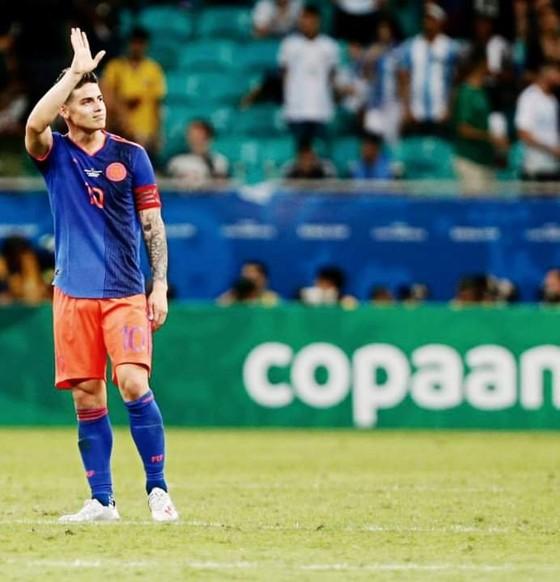 Argentina - Colombia 0-2: Cơn ác mộng của Messi lại bắt đầu ảnh 2