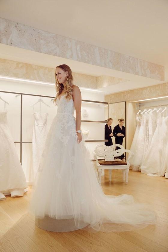 """""""Mỹ nhân"""" Đan Mạch Caroline Wozniacki: Diện váy cưới tuyệt đẹp để lên xe hoa ảnh 5"""