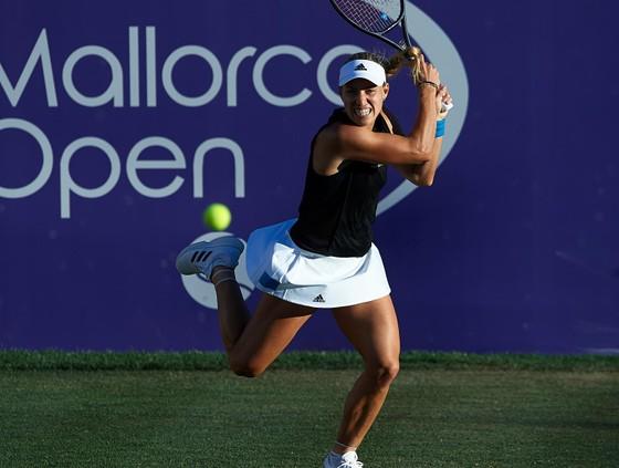 "Mallorca Open: Kerber – Sharapova, đại chiến giữa 2 ""kiều nữ Wimbledon"" ảnh 1"
