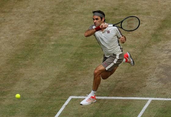 20 năm trước, còn là tân binh, 20 năm sau, Federer đã thành tượng đài Wimbledon