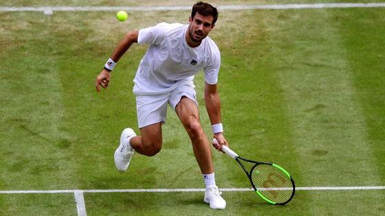 Wimbledon: Djokovic cần 3 tiếng đồng hồ để vào vòng 4, nhưng cánh tay phải của anh bất ngờ bị loại ảnh 3