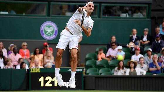 Federer giành trận thắng thứ 350