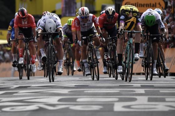 Tour de France: Teunissen đoạt chiến thắng ngay trước mặt Sagan ở chặng đua ngã xe hỗn loạn ảnh 2