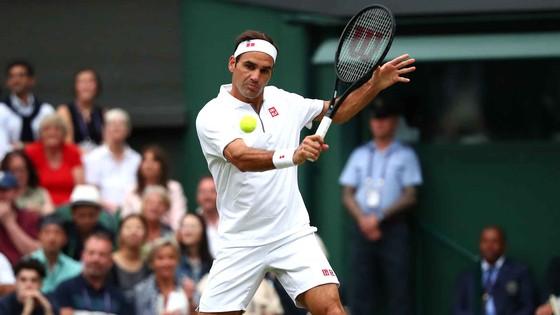 """Wimbledon: Federer thắng trận thứ 99 chỉ sau 74 phút, Berrettini muốn trả anh tiền """"dạy thêm"""" ảnh 4"""