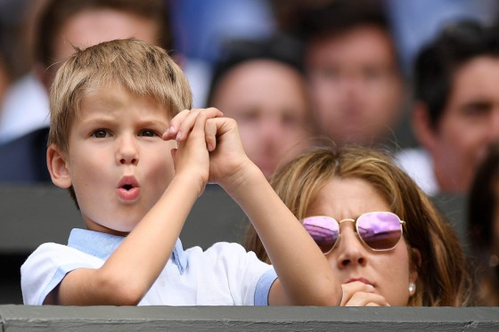 """Wimbledon: Federer thắng trận thứ 99 chỉ sau 74 phút, Berrettini muốn trả anh tiền """"dạy thêm"""" ảnh 5"""